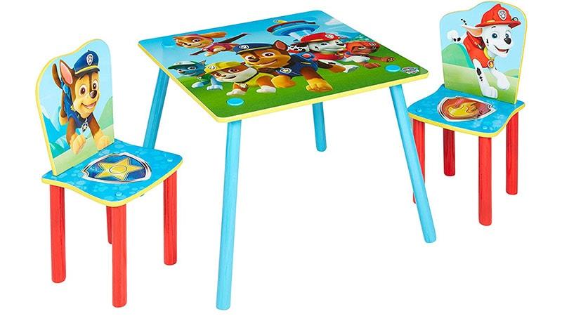 mesa de la patrulla canina